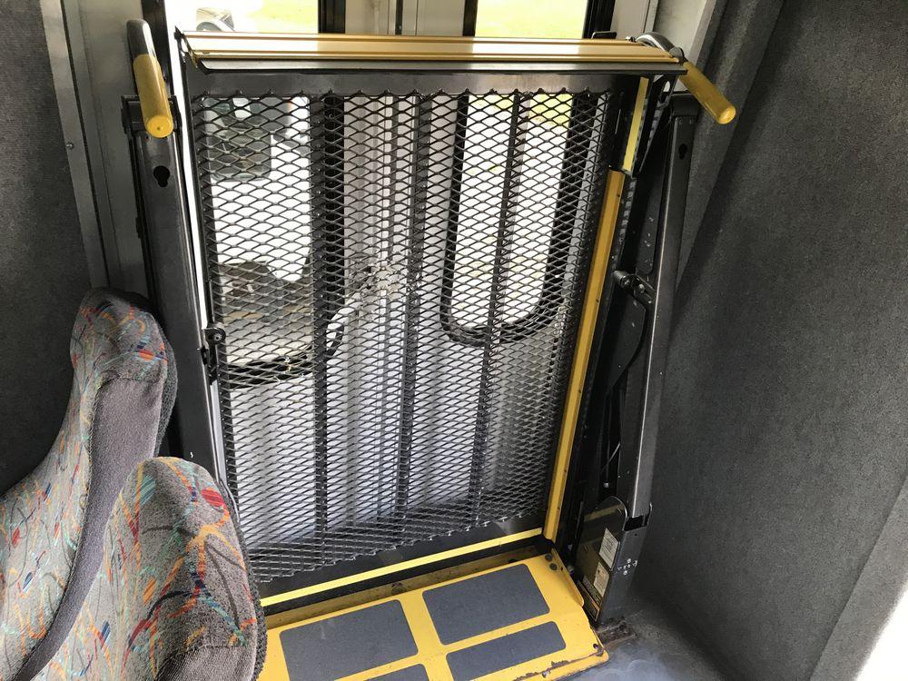 2011 FREIGHTLINER MODEL AMERITRANS, 38 SEAT PASSENGER COACH BUS - Image 8 of 12