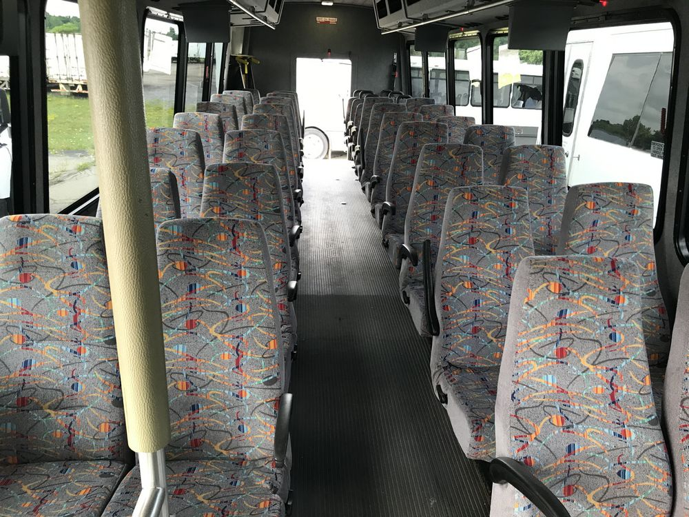 2011 FREIGHTLINER MODEL AMERITRANS, 38 SEAT PASSENGER COACH BUS - Image 5 of 12