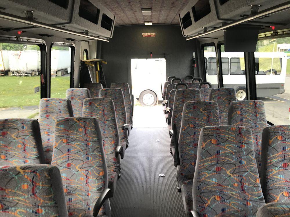 2011 FREIGHTLINER MODEL AMERITRANS, 38 SEAT PASSENGER COACH BUS - Image 6 of 12