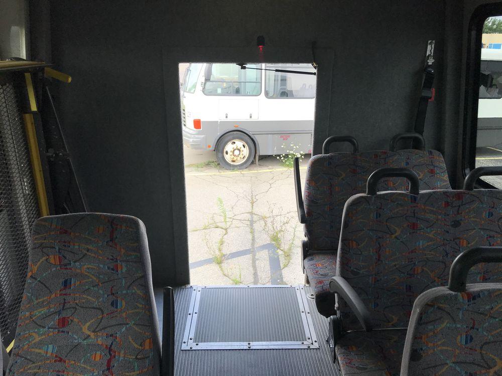 2011 FREIGHTLINER MODEL AMERITRANS, 38 SEAT PASSENGER COACH BUS - Image 7 of 12
