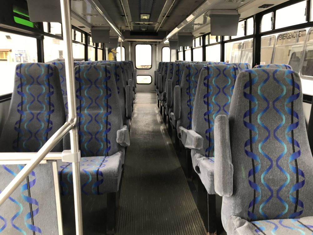 2009 FORD MODEL F650, 38 SEAT PASSENGER COACH BUS - Image 6 of 14
