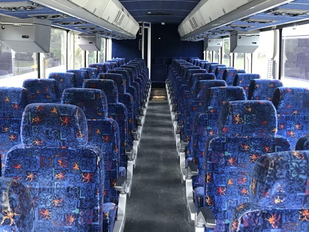 2003 MCI MODEL D4500, 55 SEAT PASSENGER COACH BUS - Image 5 of 12