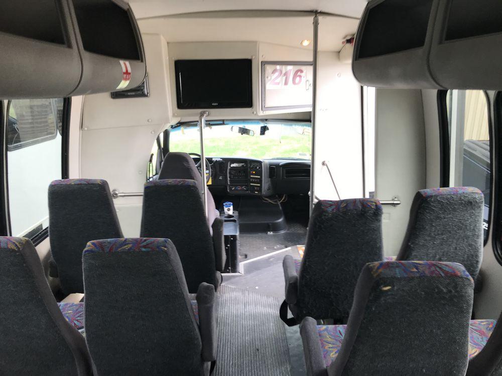 2007 CHEVROLET MODEL C5500, 33 SEAT PASSENGER COACH BUS - Image 12 of 15