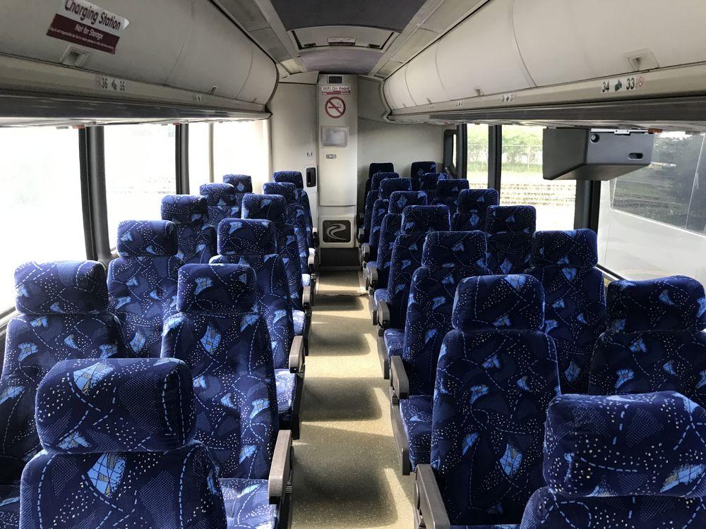 2000 MCI 102 EL3, 56 SEAT PASSENGER COACH BUS - Image 6 of 11
