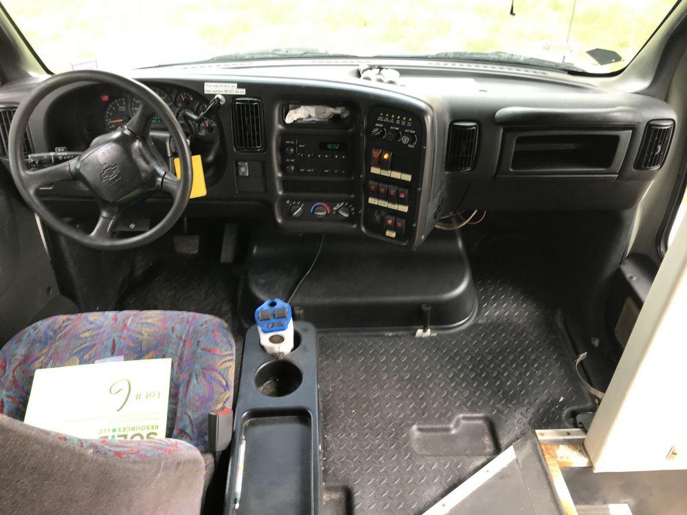 2007 CHEVROLET MODEL C5500, 33 SEAT PASSENGER COACH BUS - Image 14 of 15
