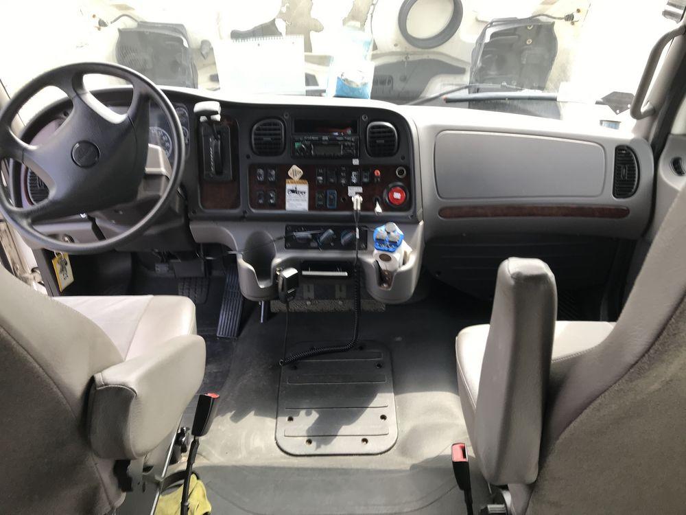 2014 FREIGHTLINER MODEL AMERITRANS, 38 SEAT PASSENGER COACH BUS - Image 18 of 19