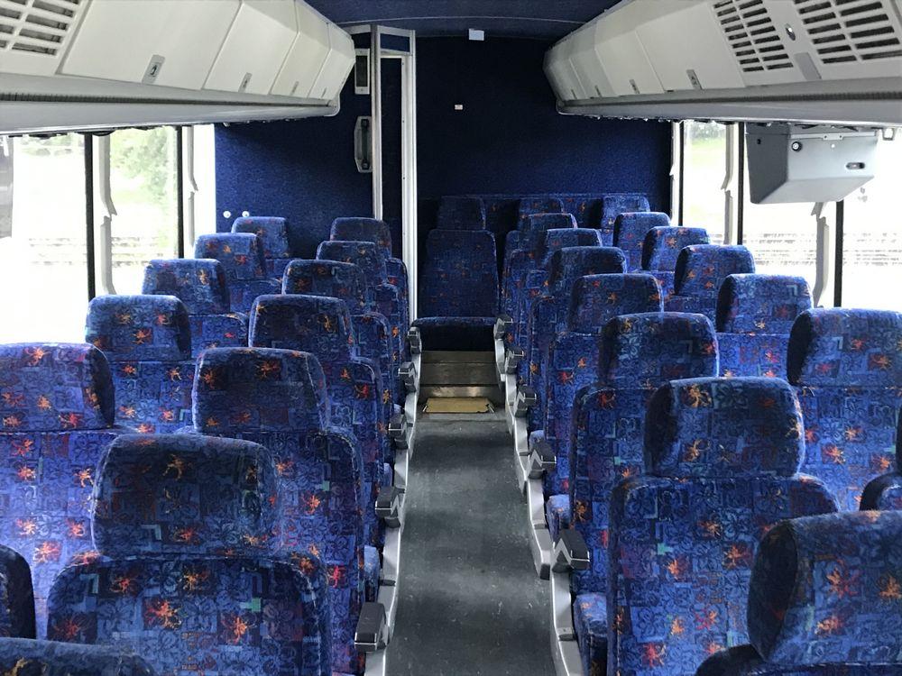 2003 MCI MODEL D4500, 55 SEAT PASSENGER COACH BUS - Image 6 of 12
