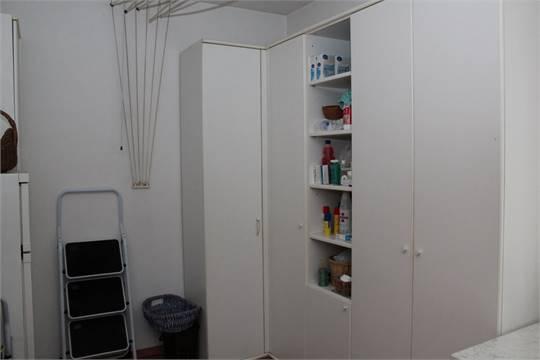 Lavanderia: lavatrice San Giorgio, frezeer, frigorifero, armadio 4 ...