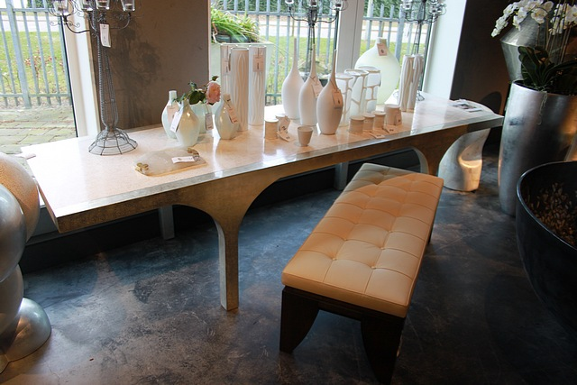 Arc Large Dining Table The Eggshell Is Inlaid Into One Of Nature S Most Durab
