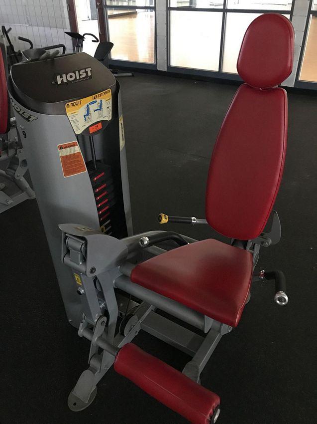Lot 29 - (THIS ITEM NO LONGER FOR INDIVIDUAL SALE) HOIST ROC-IT SELECTORIZED LEG EXTENSION MACHINE