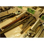 LOT/ PIPE WRENCHES