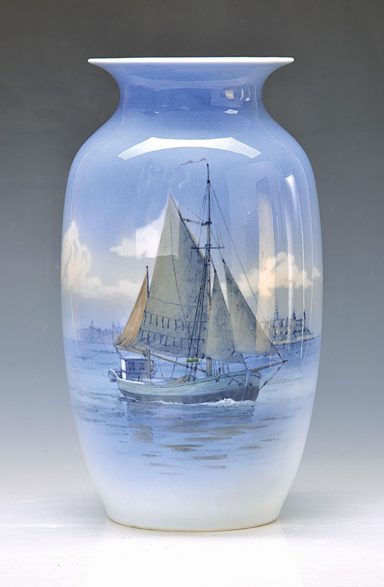 large vase, Royal Copenhagen, Denmark, 1944, porcelain, harbour scene with ship, polychromepainting,