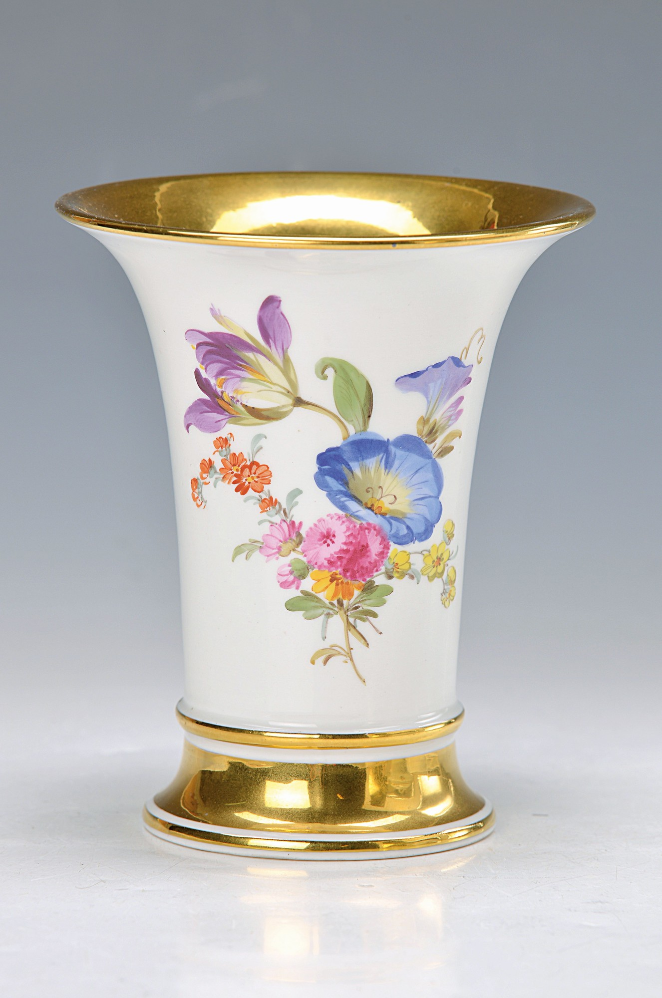 vase, Meissen, 20th c., colorful painting of bouquets of flowers, wide glossy gold rims, H.approx.