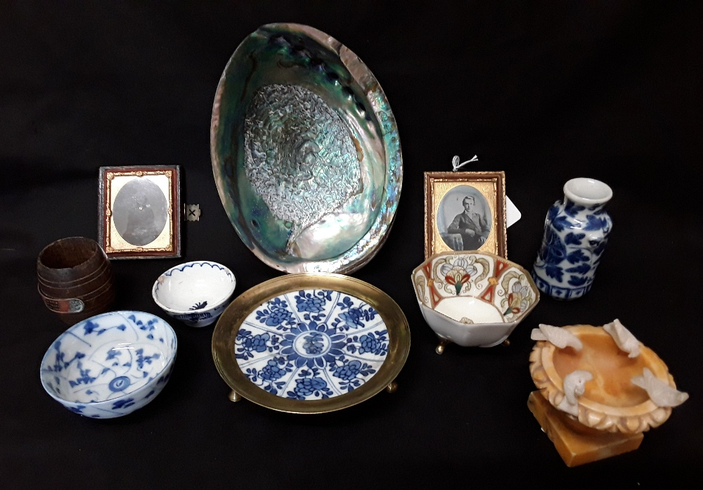 An assortment of mixed colectabuls including Japanese rice bowls treem dishes abalone shell, etc