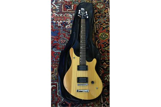 A Washburn BT 2 Six String Electric Guitar With Carrying Case Maverick Series