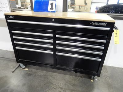 Lot 1 - HUSKY TOOL BOX
