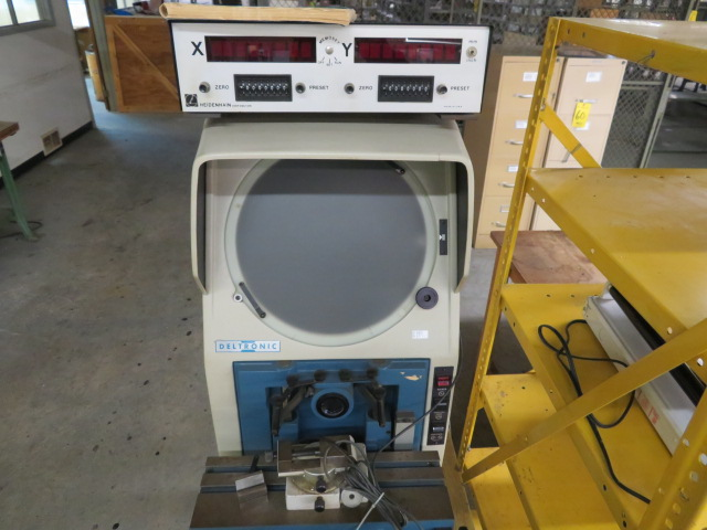 DELTRONIC IMAGE MASTER 330A-DEC OPTICAL COMPARATOR W/HEIDENHAIN DIGITAL R/O W/STAGE AND BENCH - Image 2 of 3
