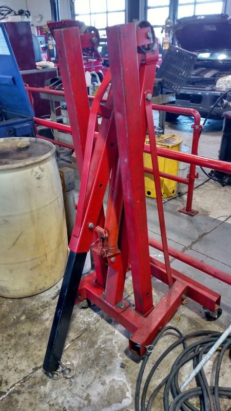 Lot 3 - Sunex 1.5 Ton Engine Crane w/ 5060B Long Ram Jack