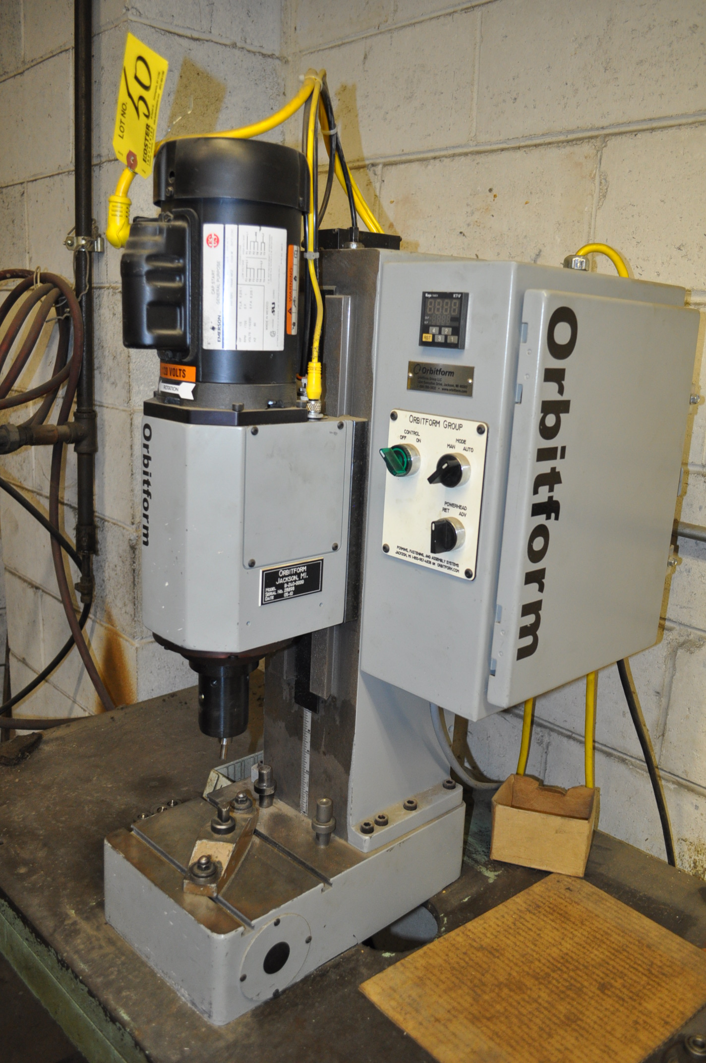 orbit form mdl b-0200-0000 bench type orbital riveter machine