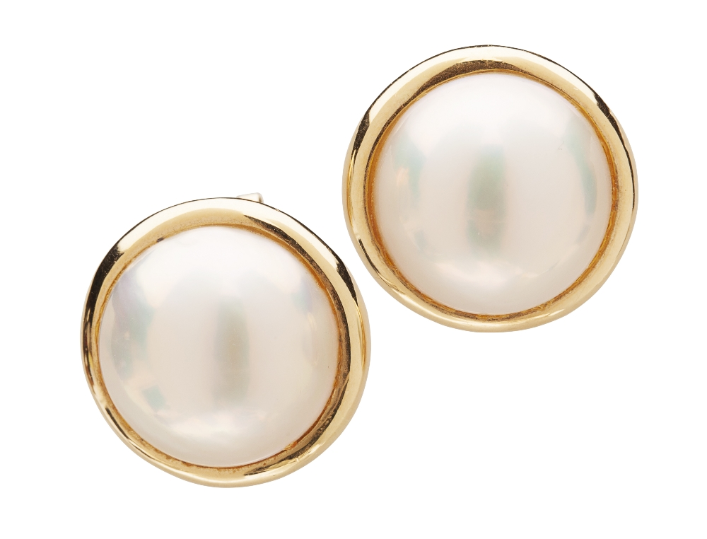 Lot 11 A Pair Of Mabe Pearl Earrings Each Claw Set With Single