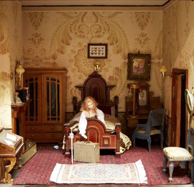 A six room painted wood dolls house, late 19th/early 20th century, the roof with two sections of - Image 2 of 4