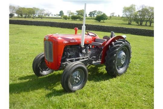 Massey 35 Perkins Diesel 1961 : Massey ferguson cylinder diesel tractor reg no