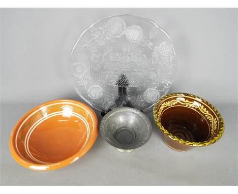 Swedish Decorative Arts - Lot to include a Kosta Boda 'Dalom' plate, Kippan Keramik bowl, a Nordiska Juvelaktiebolaget pewter