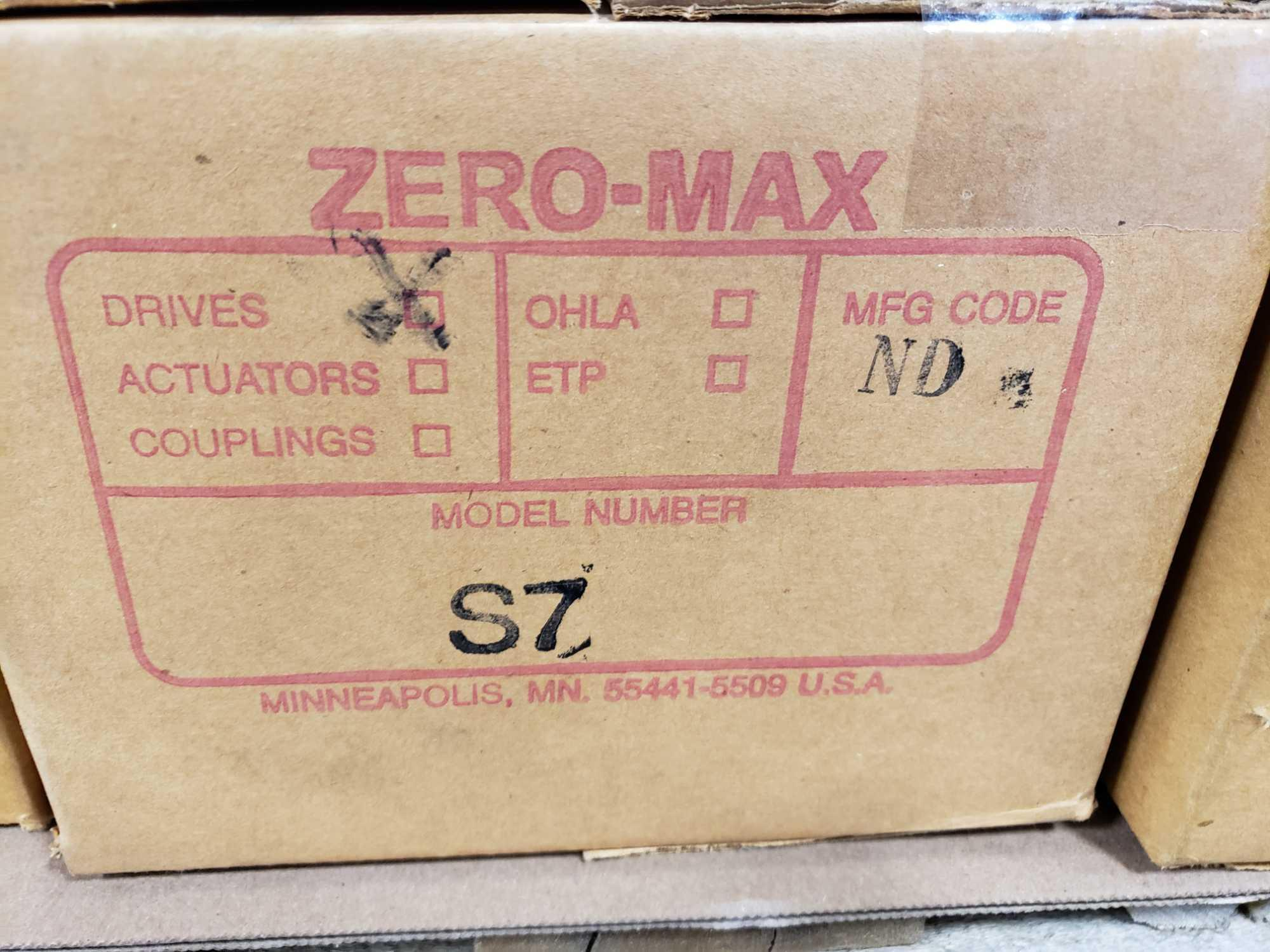 Zero-max gearhead power block model S7, 0-20 output rotation, 12lb torque, 20:1 range. New in box. - Image 3 of 3