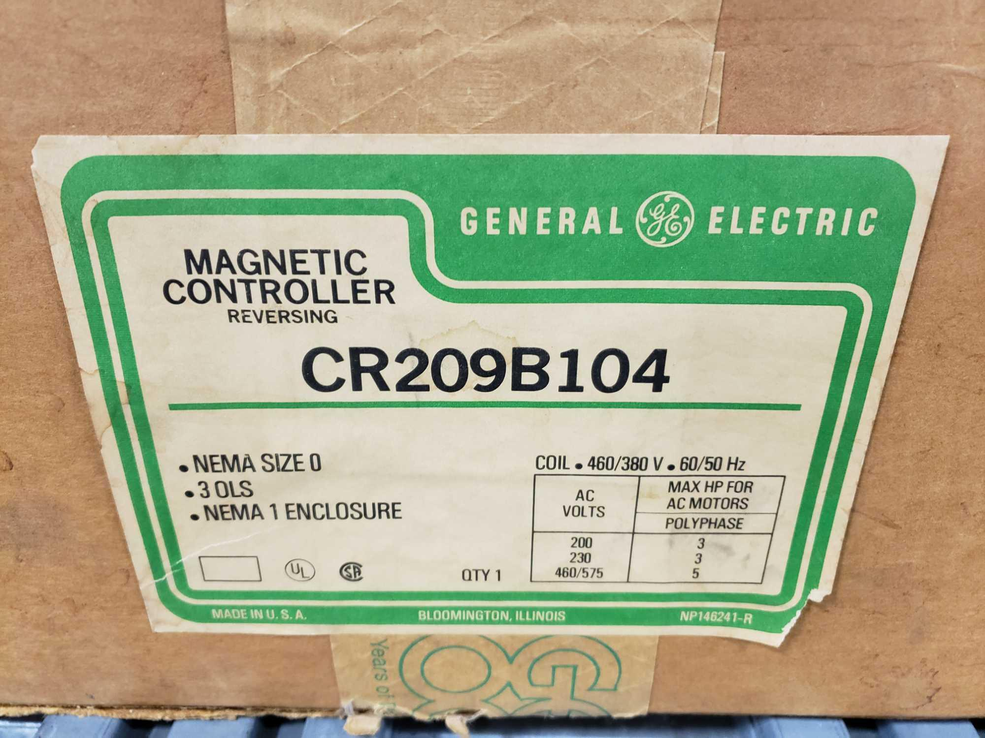 GE magnetic controller reversing contractor CR209B104 Nema size O, nema 1 enclosure. New in box. - Image 2 of 4