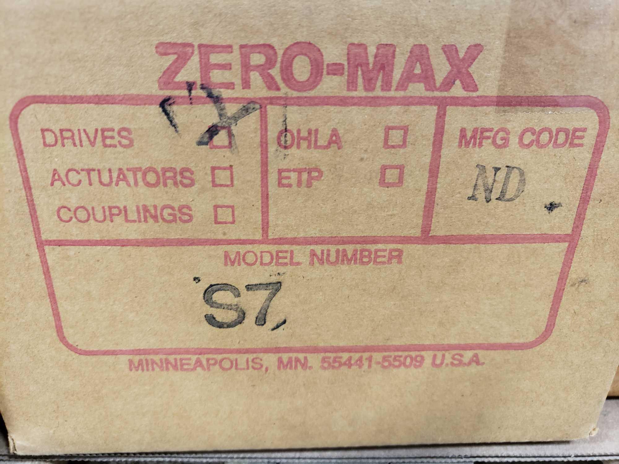 Zero-max gearhead power block model S7, 0-20 output rotation, 12lb torque, 20:1 range. New in box. - Image 3 of 3