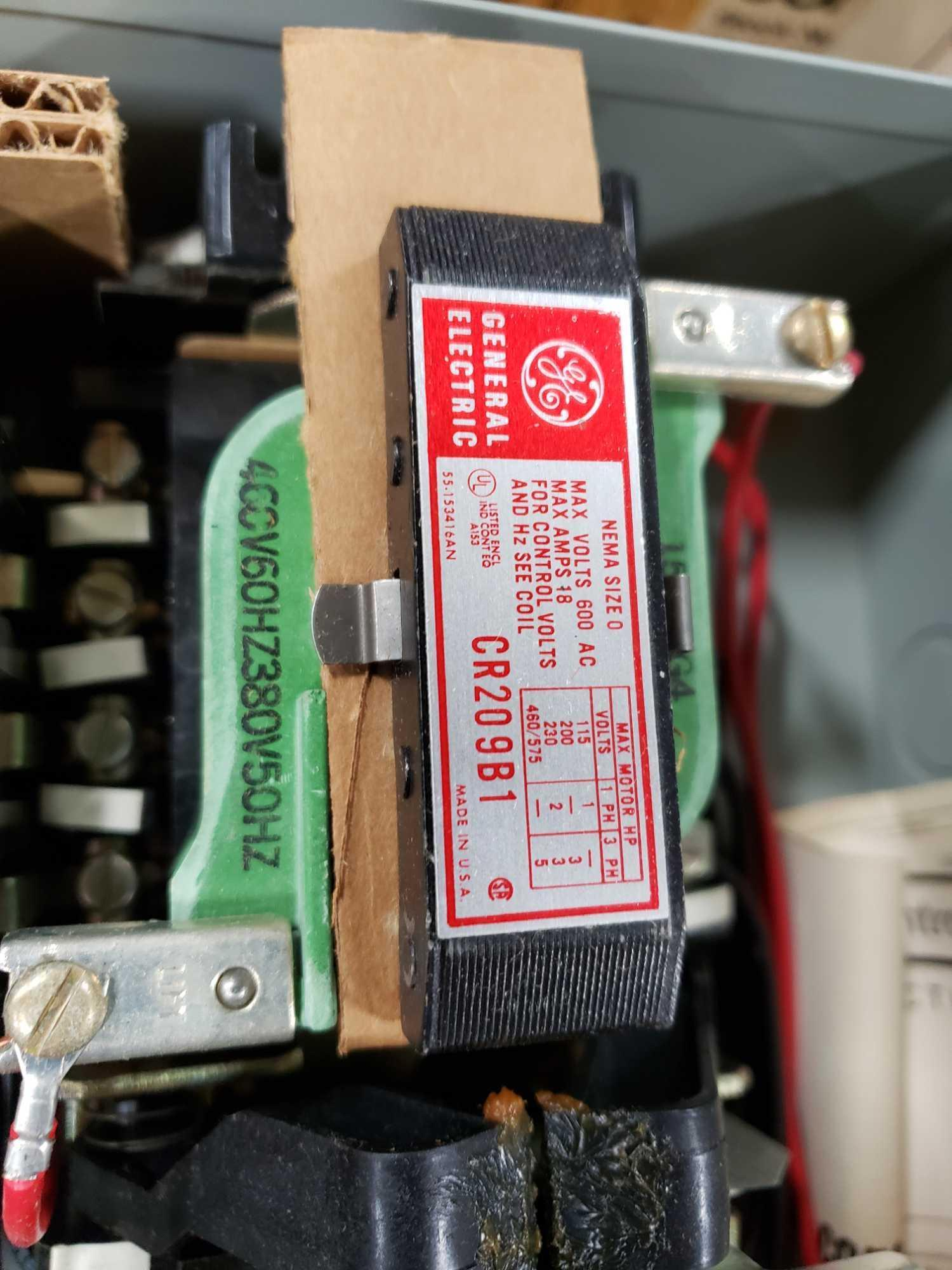 GE magnetic controller reversing contractor CR209B104 Nema size O, nema 1 enclosure. New in box. - Image 4 of 4