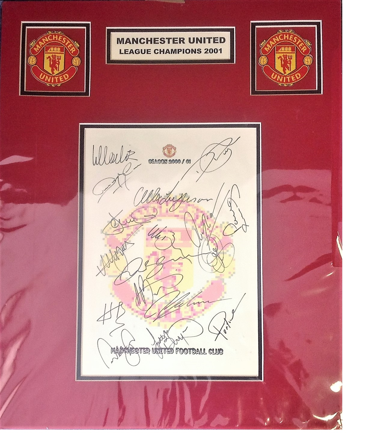 Lot 48 - Football Manchester united mounted signature piece 2001 League Champions signed by Alex Ferguson and