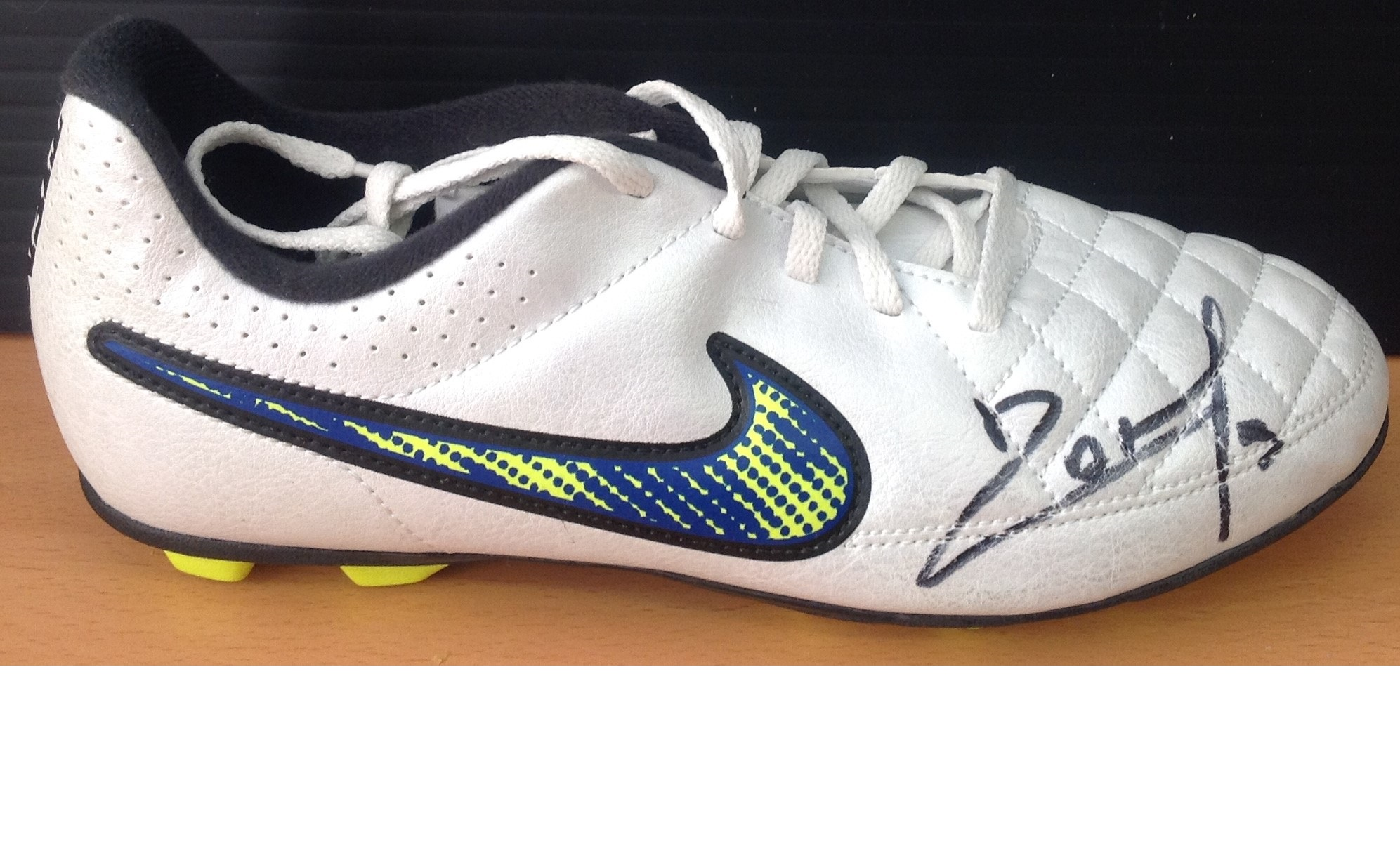 Lot 33 - Football Pablo Zabaleta signed Nike football boot. Pablo Javier Zabaleta Girod is an Argentine