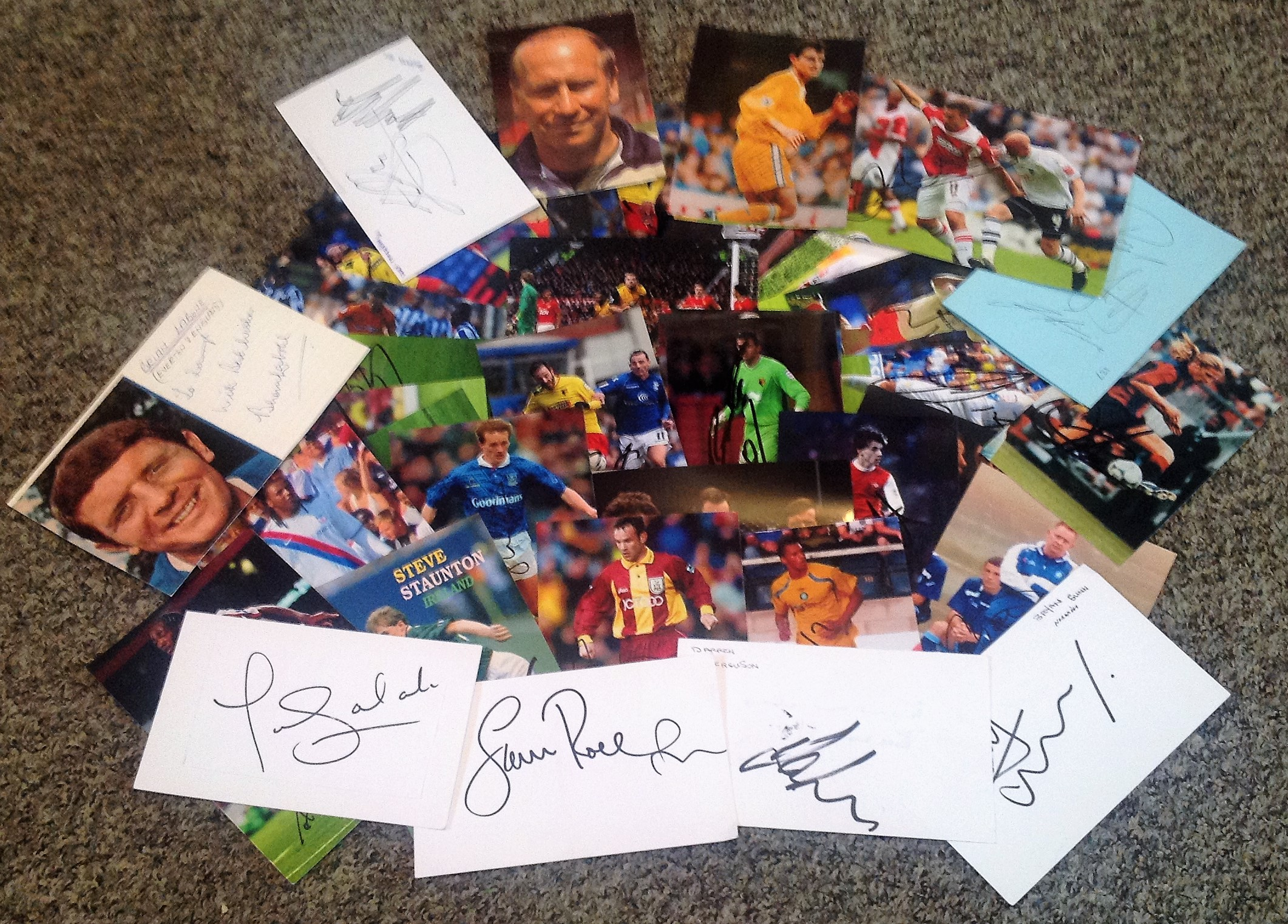 Lot 11 - Football collection 40 assorted signed white cards, 7x5 and 6x4 photos from players past and present