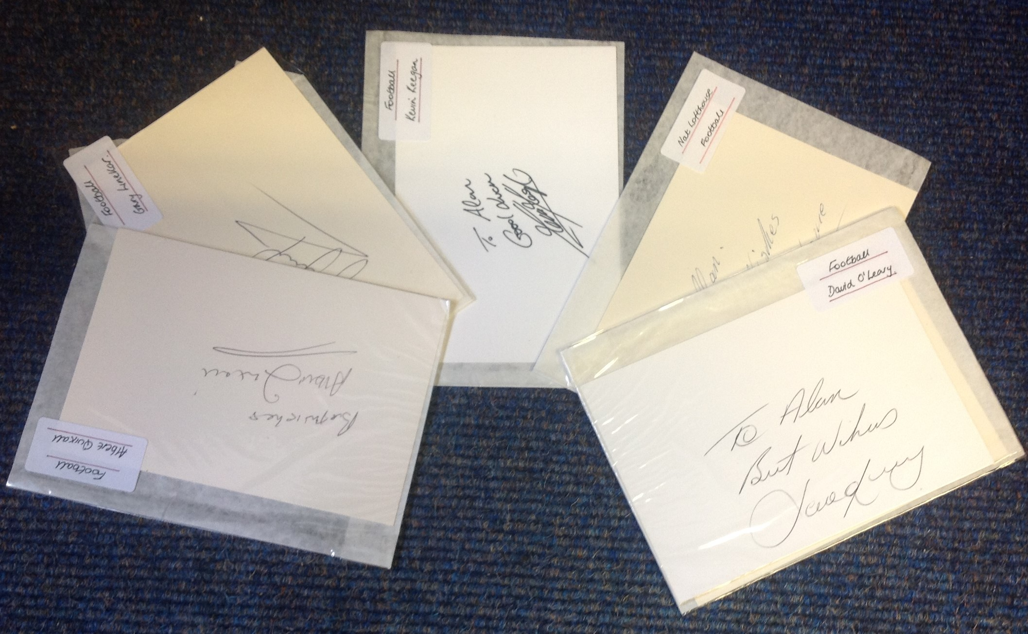 Lot 19 - Football collection 6 signed 6x4 white cards from some legendary names includes Kevin Keegan, Nat
