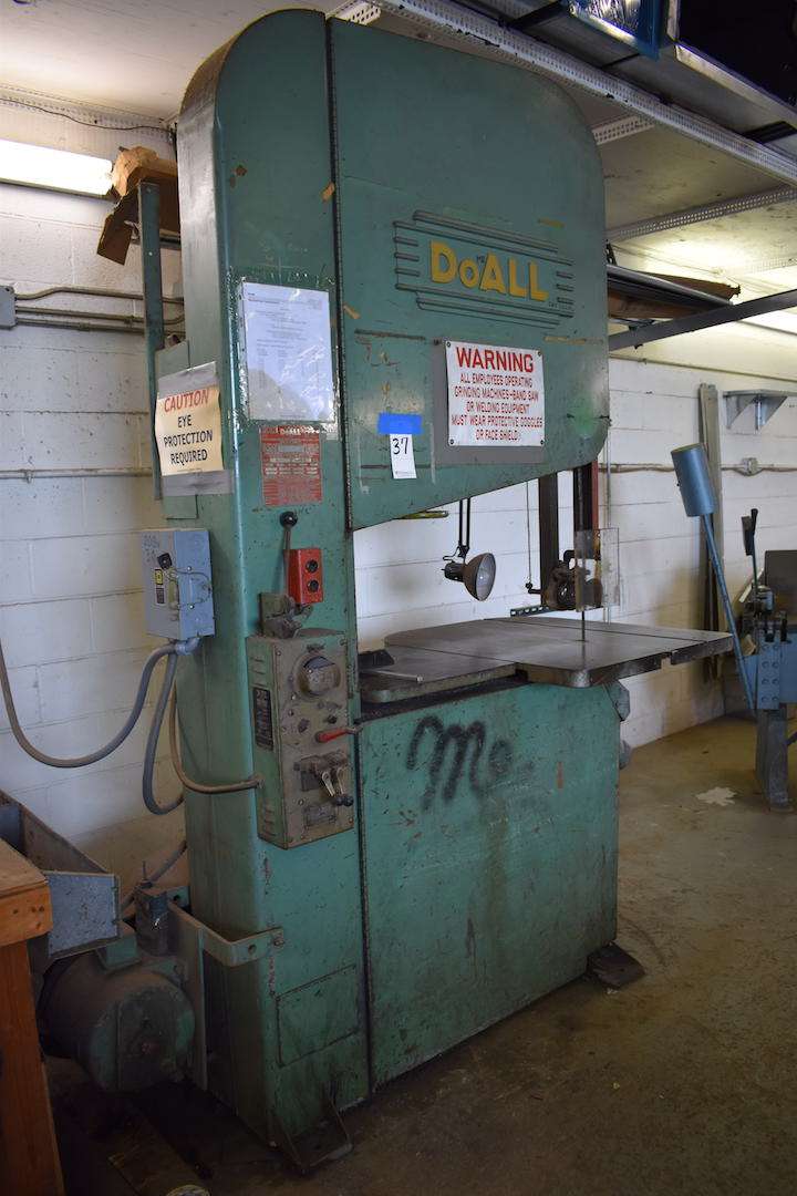 """Lot 37 - DoAll 36"""" Model ZS3620 Vertical Band Saw, S/N 31-602057, 36"""" x 30"""" Tilting Table, 19"""" x 19"""" Sub-"""