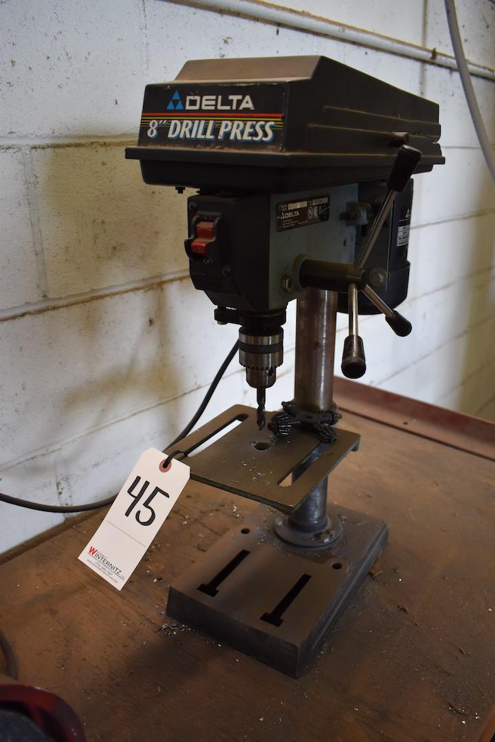 "Lot 45 - Delta 8"" Bench Top Drill Press Model 11950 Type 2, S/N W9947, 1/4 HP, 115 Volt"