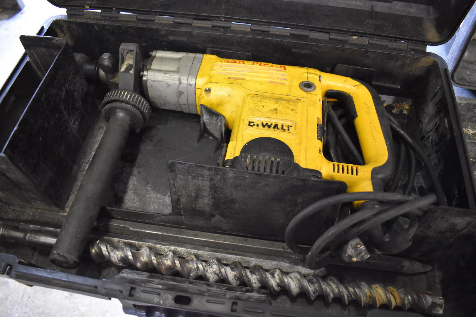 "Lot 2 - Dewalt Model D25550 1-9/16"" Electric Rotary Hammer"