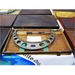 Mitutoyo 15''-16'' Micrometer