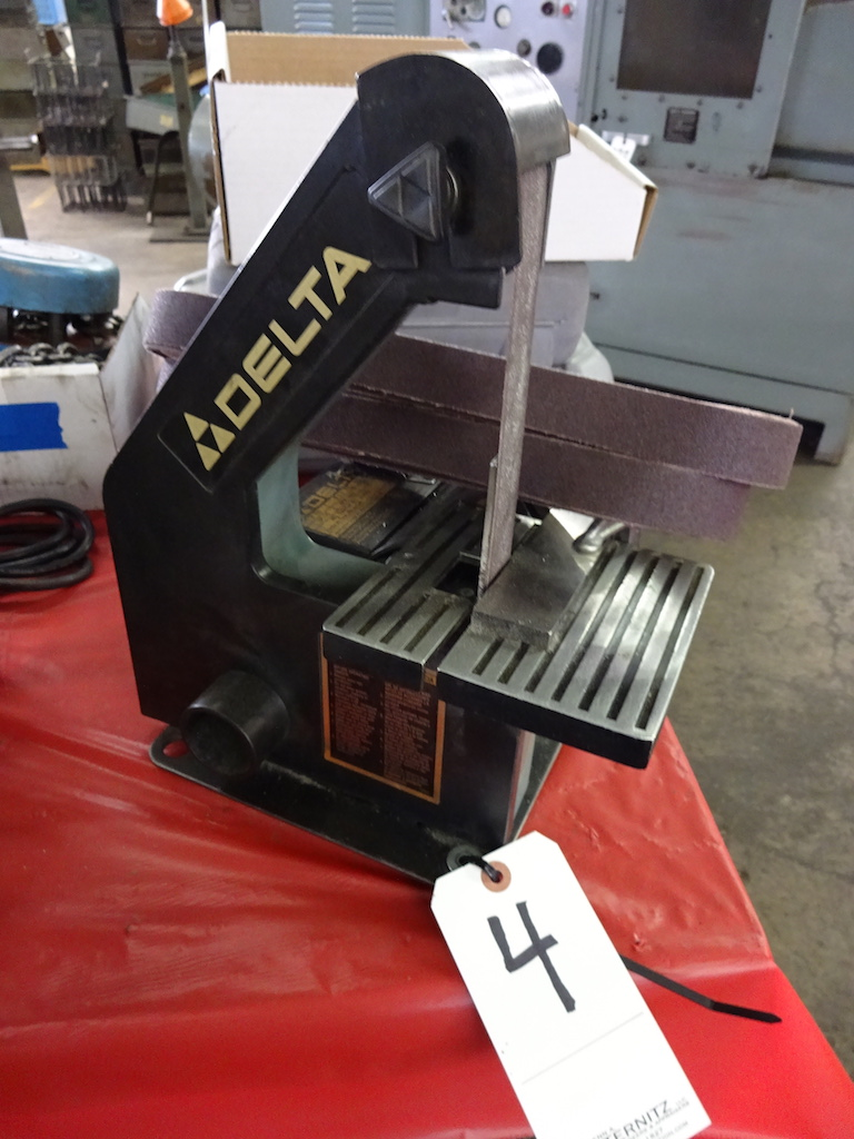 Lot 4 - Delta 1 in. Model 31-050 Belt Sander