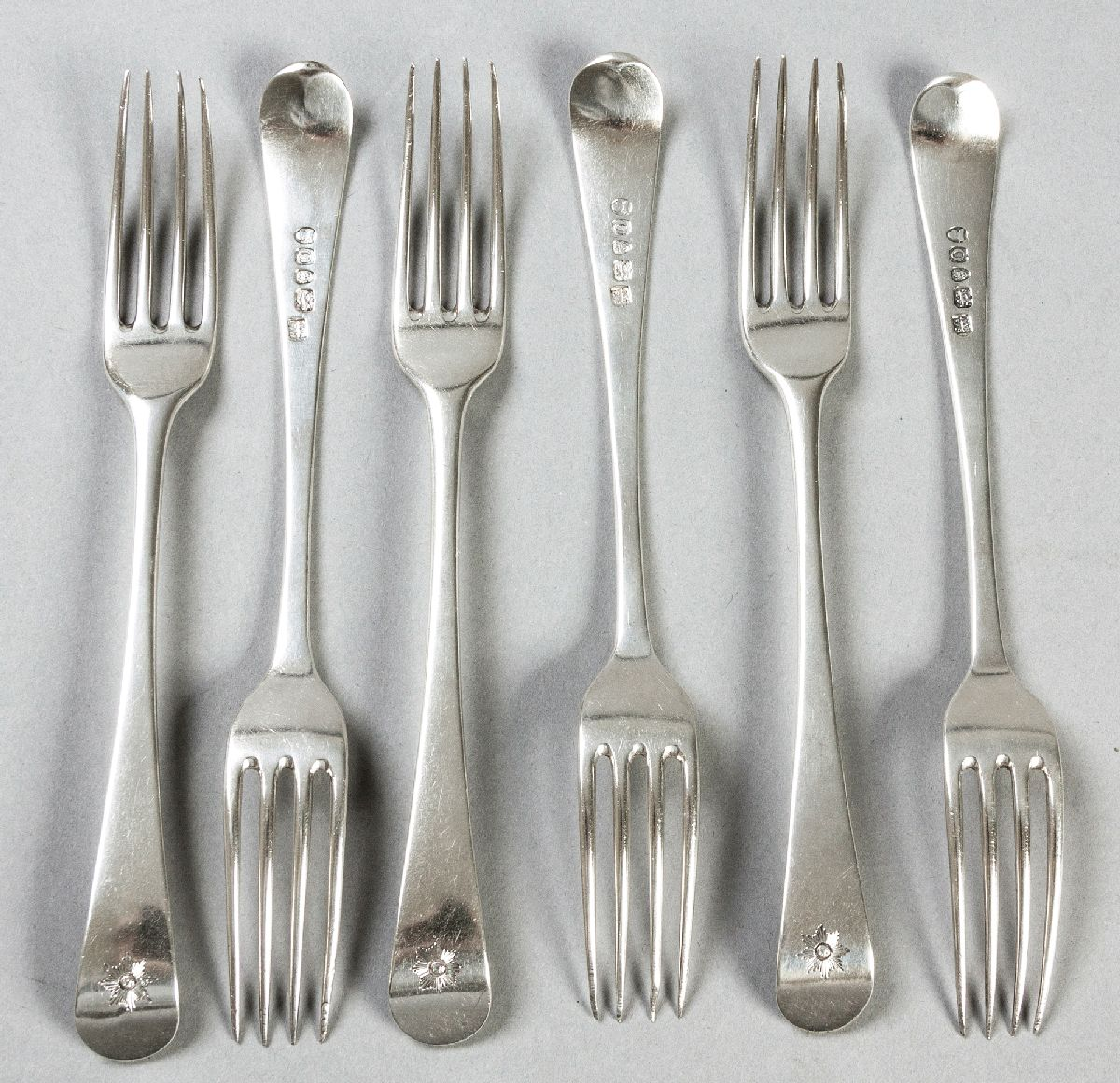 Lot 11 - A SET OF SIX GEORGE III OLD ENGLISH PATTERN SILVER FORKS, LONDON 1809, SAMUEL GODBEHERE & EDWARD