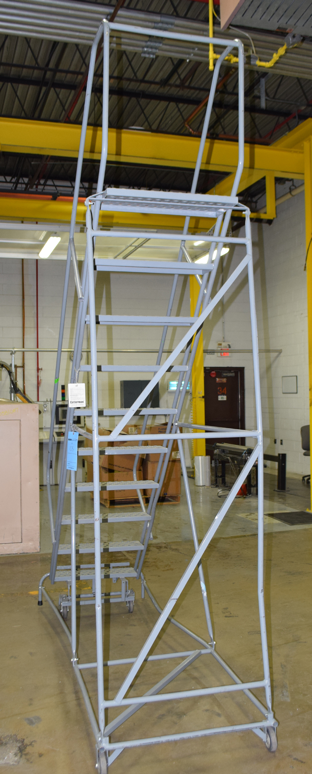 Rolling Ladder - Image 3 of 4