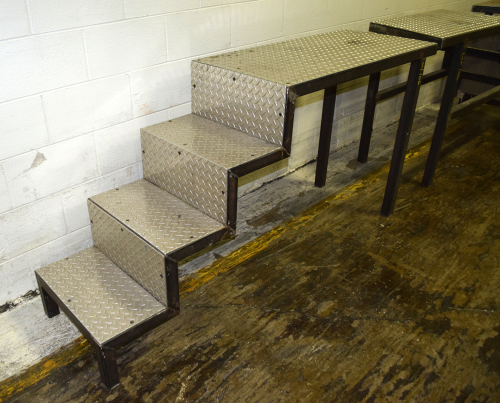 Metal Platforms - Image 2 of 4