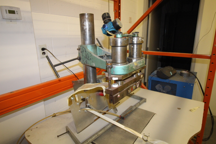 Lot 30 - Weldon P3000 Double Seam Welder System 3phase Pneumatic