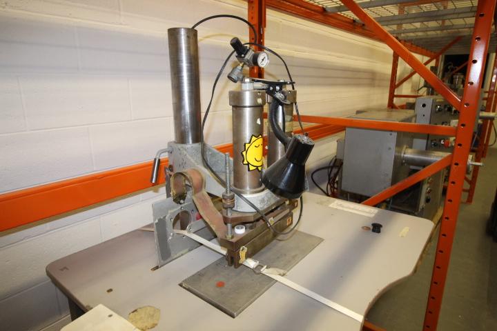 Lot 29 - Weldon P3000 Double Seam Welder System 3phase Pneumatic
