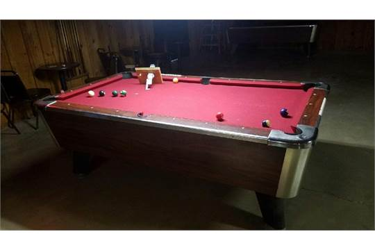 Coin Operated Pool Table Located At Highway Madisonville - Pool table pick up