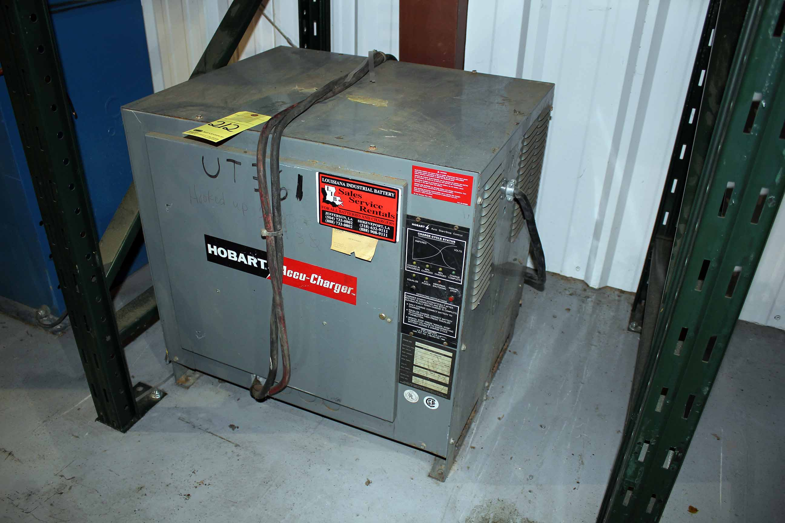 battery charger hobart mdl 725c3 18 18 cell 145 amps s n 391cs05536 rh bidspotter com 4289 Hobart Fork Lift Battery Charger Spec Hobart Fork Lift Battery Chargers
