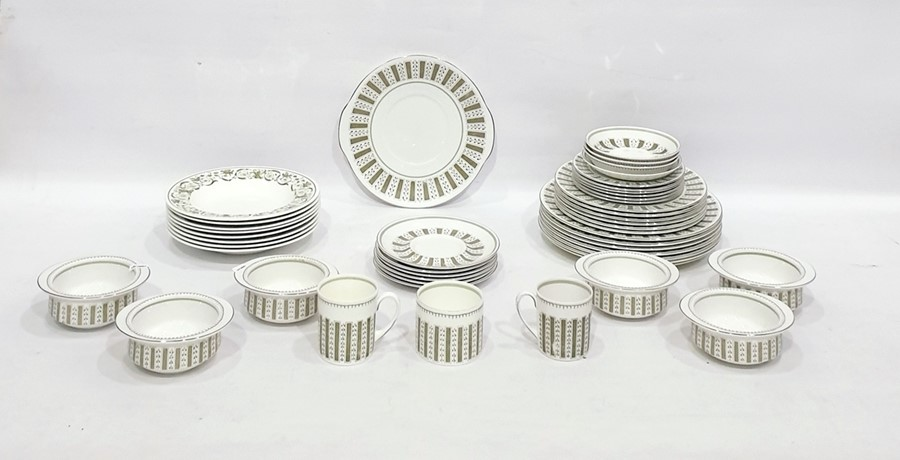 Lot 16 - Quantity of Susie Cooper 'Persia' pattern porcelain dinnerware to include 18 plates in three