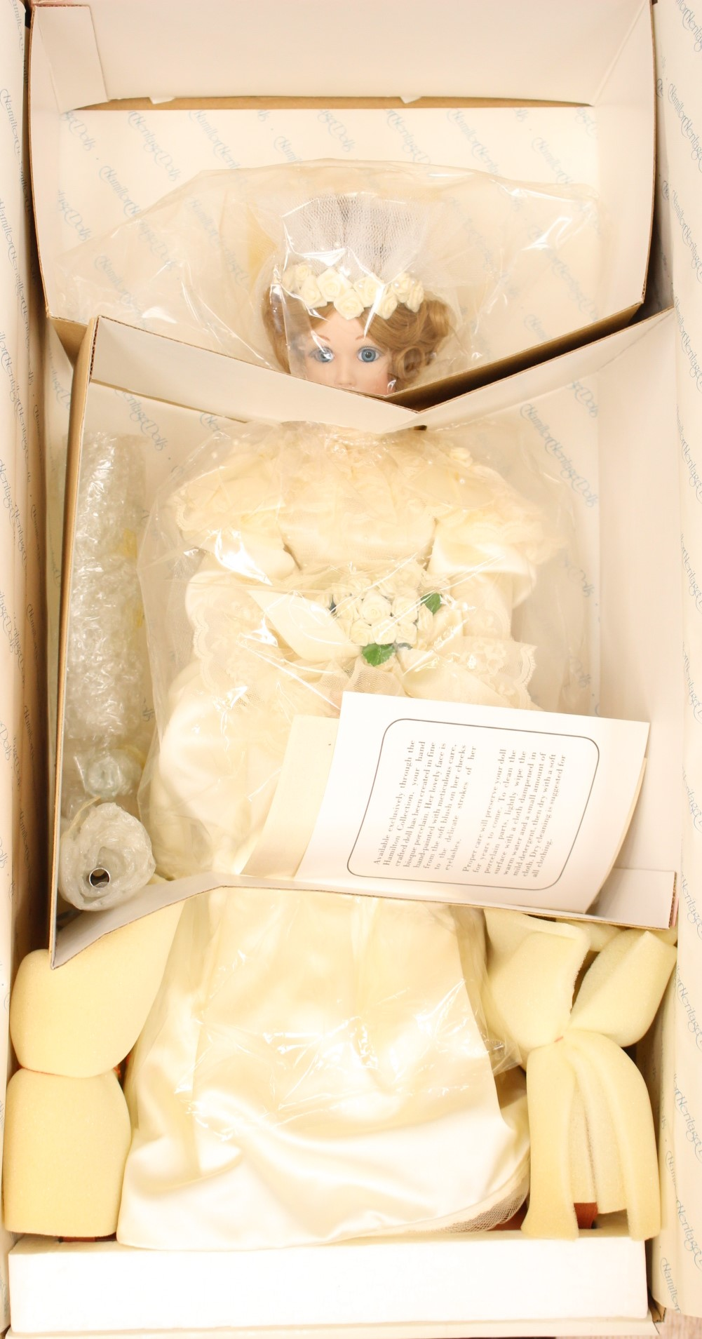 Lot 3118 - Hamilton Collection porcelain doll, Portrait of Innocence,