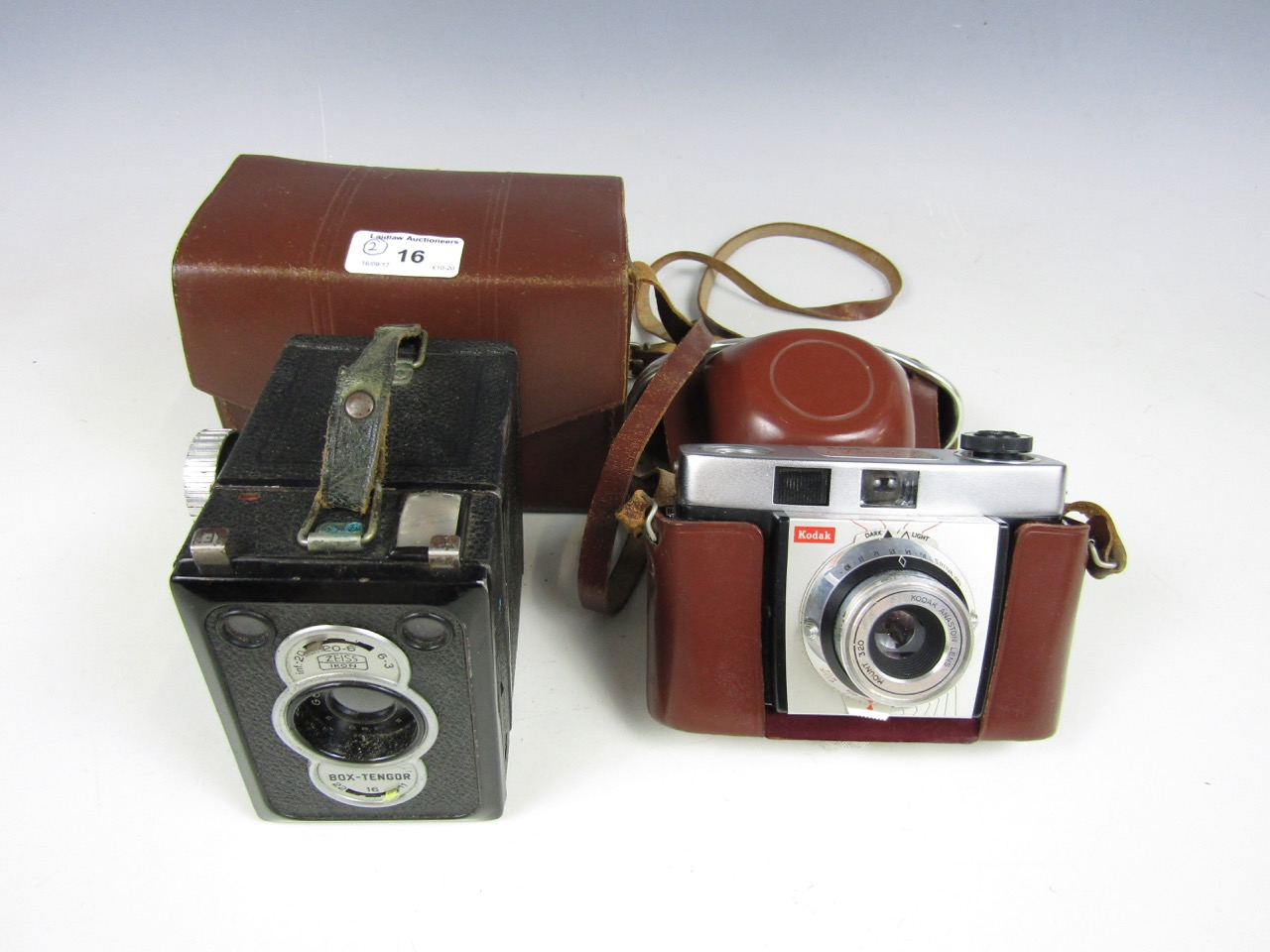 Lot 16 - A cased Zeiss Ikon Bot Tenger camera together with a cased Kodak Colorsnap 35 camera model 2